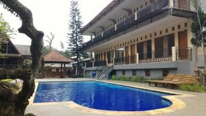 santa-monica-resort